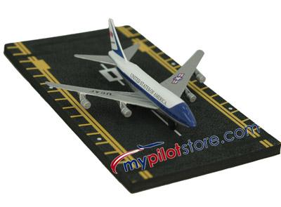 Air Force One Hot Wings Die-Cast Airplane